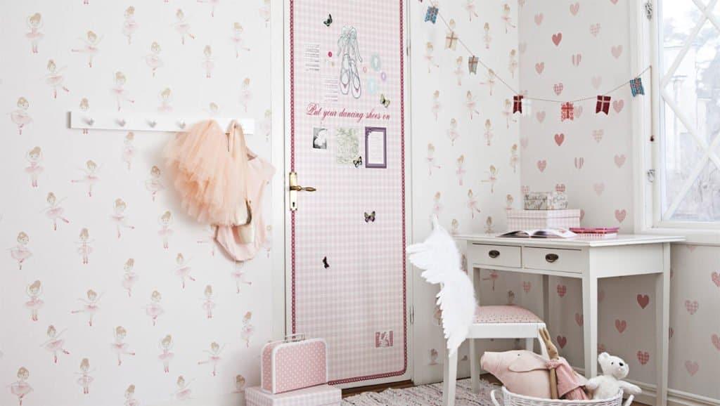 Papeles pintados para decorar la habitación del bebé