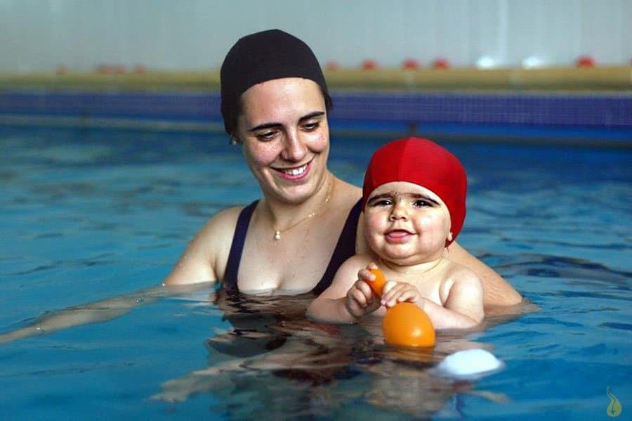 Matronatación o natación para bebés