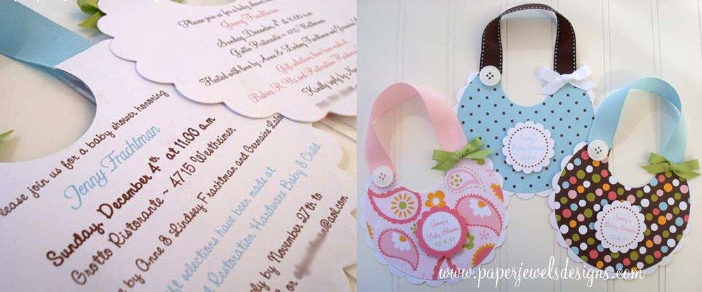 invitación scrapbooking en forma de babero para baby shower