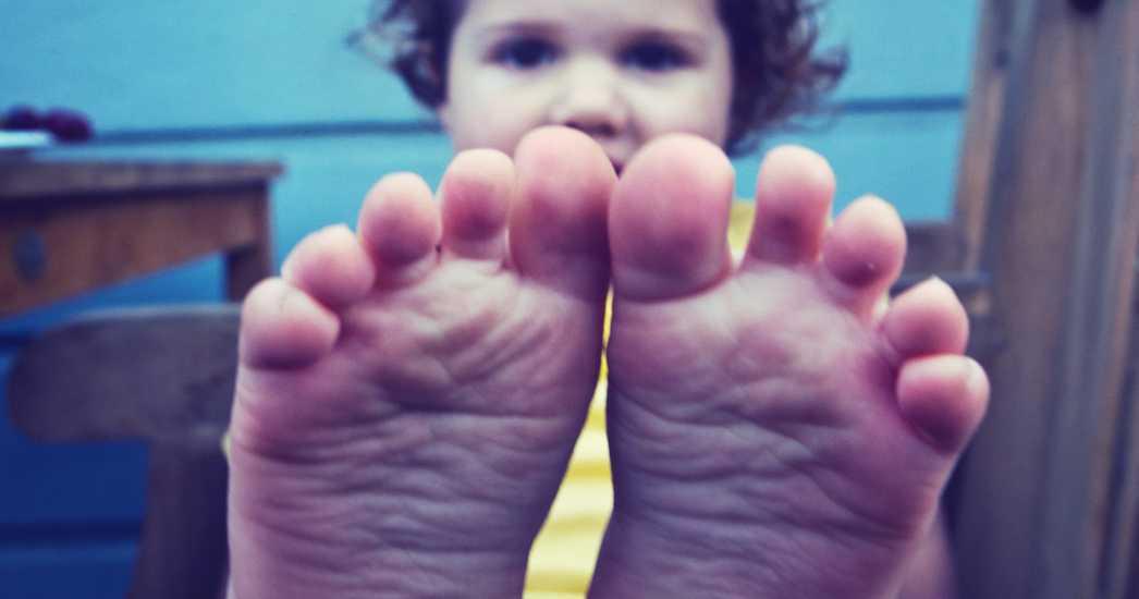 Bebés descalzos: los primeros pasos del bebé