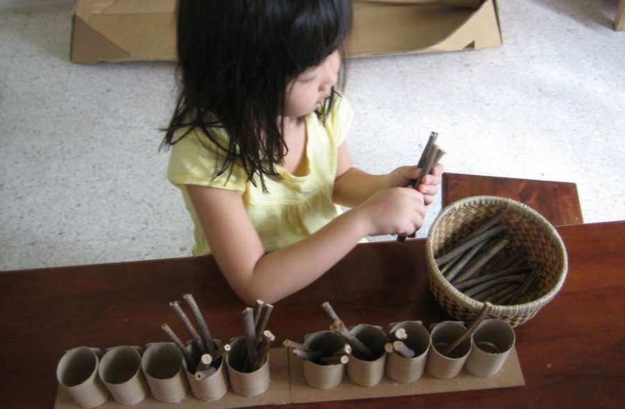 Manualidades recicladas para hacer juegos Montessori